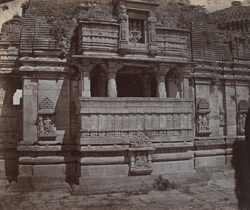 Close view of open portico at side of Kumbha Shyama Temple, Chittaurgarh [Chitorgarh]